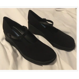 Size 9 Kenneth Cole Reaction Wedge Shoes